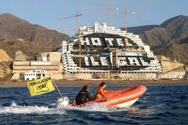 SPAIN-GREENPEACE-COSTAS-ALGARROBICO